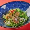 Фото к позиции меню Салат с морскими водорослями и медузой