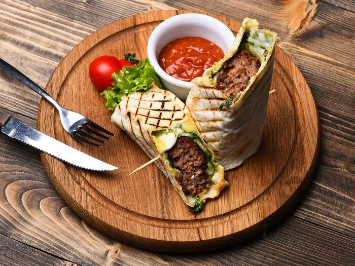 Хлеб и мясо в тандыре