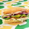 Фото к позиции меню Сэндвич Индейка и ветчина