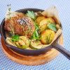 Фото к позиции меню Куриное бедро в орехово-горчичном маринаде с картофелем и кабачком