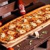 Фото к позиции меню Пицца Курица-ананас метровая