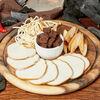 Фото к позиции меню Тарелка копченых сыров
