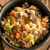 Фото к позиции меню Рис жаренный с говядиной и овощами