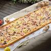Фото к позиции меню Метровая пицца Дары моря