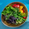 Фото к позиции меню Ассорти из свежих овощей и зелени