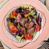 Фото к позиции меню Салат с телятиной и микс-салатом