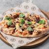 Фото к позиции меню Римская пицца Говяжьи щечки и артишоки