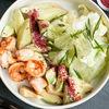 Фото к позиции меню Салат из авокадо с креветками