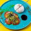 Фото к позиции меню Буррата со сладкими томатами