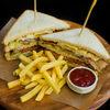 Фото к позиции меню Клаб сэндвич с индейкой