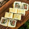 Фото к позиции меню Ролл с копченым лососем и угрем в хрустящей панировке