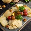 Фото к позиции меню Ассорти фермерских сыров