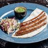 Фото к позиции меню Колбаски гриль с салатом из капусты