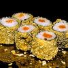 Фото к позиции меню Ролл с копченым лососем в темпуре