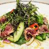 Фото к позиции меню Острый салат с огурцами и ростбифом
