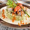 Фото к позиции меню Шотландский салат с копчёной цесаркой