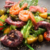 Фото к позиции меню Теплый салат с осьминогом и креветками