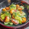 Фото к позиции меню Салат с подкопченой неркой, огурцом, молодым картофелем и соусом из зеленого базилика