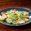 Фото к позиции меню Салат с белыми грибами и куриным филе
