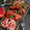 Фото к позиции меню Сырокопчёные и сыровяленые мясные деликатесы