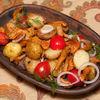 Фото к позиции меню Лисички, жареные с картофелем и помидорами