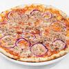 Фото к позиции меню Пицца с тунцом и красным луком