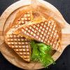 Фото к позиции меню Горячий бутерброд