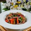 Фото к позиции меню Салат из телятины с овощами