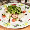 Фото к позиции меню Тальята из говядины с рукколой и сыром пармезан
