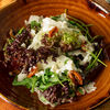 Фото к позиции меню Салат из печеных овощей со страчателлой