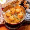 Фото к позиции меню Морские гребешки в шафранном соусе