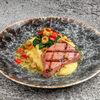 Фото к позиции меню Тунец с трюфельным картофельным пюре