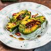 Фото к позиции меню Авокадо гриль в азиатском соусе