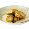 Фото к позиции меню Филе индейки с соусом из белых грибов, трюфельным маслом и мини картофелем