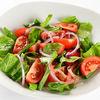 Фото к позиции меню Салат из спелых томатов со щавелем