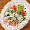 Фото к позиции меню Салат рукола с креветками и авокадо