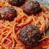 Фото к позиции меню Спагетти Grande с тефтелями (на 2 персоны)