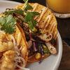 Фото к позиции меню Тако (Цыплёнок, кукуруза, кинза, капуста)