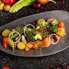Фото к позиции меню Салат со слабосоленым лососем и картофелем