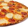 Фото к позиции меню Пицца Итальянская с моцареллой и пепперони