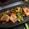 Фото к позиции меню Телячий язык в азиатском соусе с овощами тепан