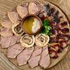Фото к позиции меню Ассорти мясных закусок