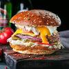 Фото к позиции меню Классический бургер с беконом и яйцом