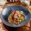 Фото к позиции меню Лингвини с камчатским крабом в томатном соусе