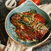 Фото к позиции меню Запеченные баклажаны с моцареллой и помидорами