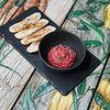 Фото к позиции меню Свекольный хумус с чипсами из зернового хлеба