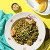 Фото к позиции меню Спагетти с креветками и соусом песто