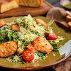 Фото к позиции меню Цезарь салат с семгой