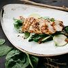 Фото к позиции меню Куриная грудка с зелеными овощами