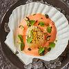 Фото к позиции меню Обоженный морской гребешок с тайгер-соусом